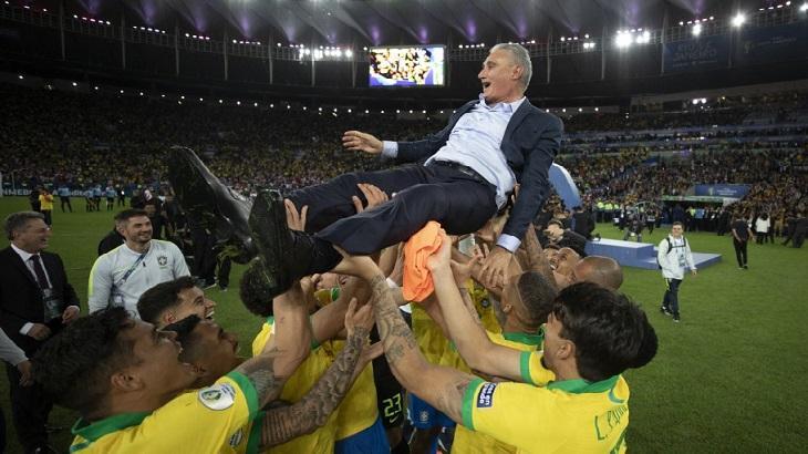 Tite comemorou o título da Copa América com os jogadores. Na TV, a cobertura foi intensa. Foto: Divulgação