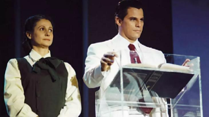 Minissérie Decadência foi mais um capítulo da guerra entre Globo e Record - Foto: Reprodução