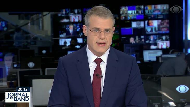 Eduardo Oinegue, apresentador do Jornal da Band
