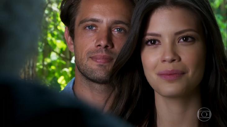 Rafael Cardoso e Vitória Strada em cena na novela