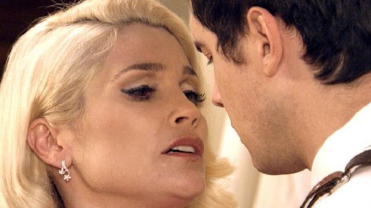 Sandra tentará beijar Candinho em Êta Mundo Bom - Foto: Divulgação