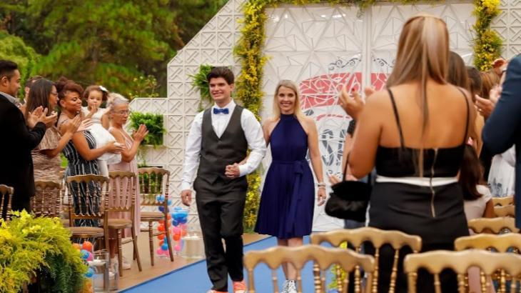 Fábrica de Casamentos ajuda noivos que desistiram da vida relogiosa