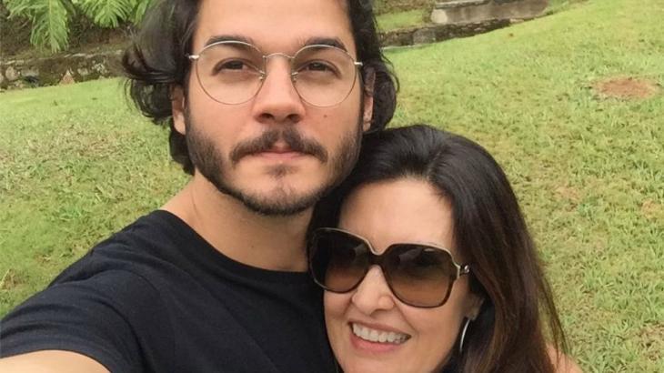 Túlio Gadêlha e Fátima Bernardes em selfie
