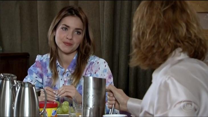 Na novela Fina Estampa, Danielle terá uma conversa séria com Beatriz - Foto: Divulgação