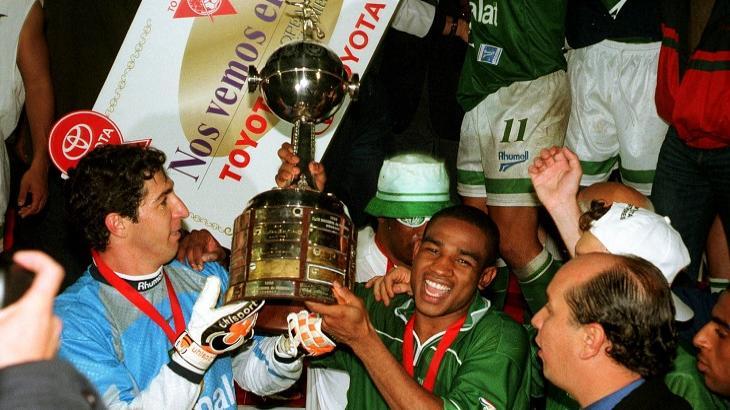Globo cai e perde do SBT com reprise de título da Libertadores pelo Palmeiras