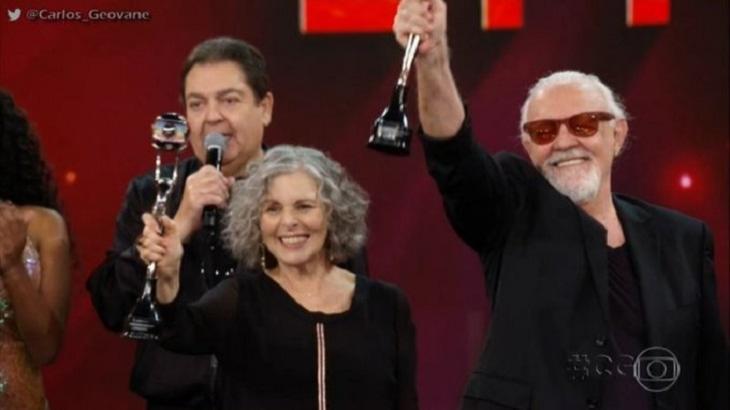 Irene Ravache e Ney Latorraca vencem Troféu Mario Lago. Foto: Reprodução