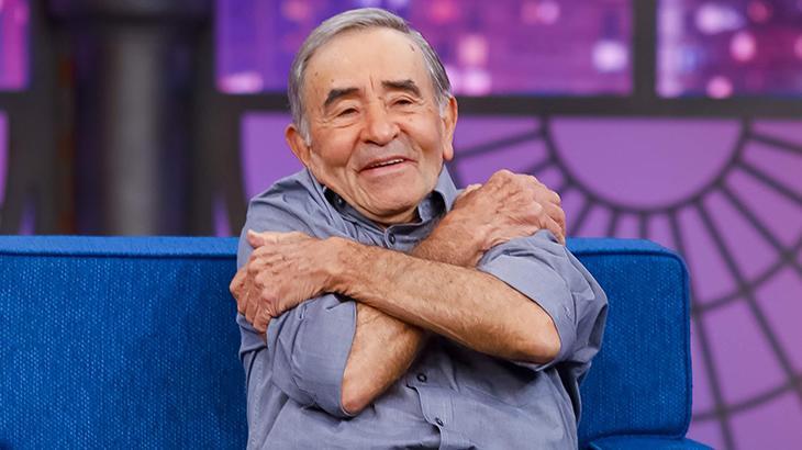 """Aos 84 anos, Ivo Holanda quer ser youtuber para suportar quarentena: """"Sou de beijo e abraço"""""""