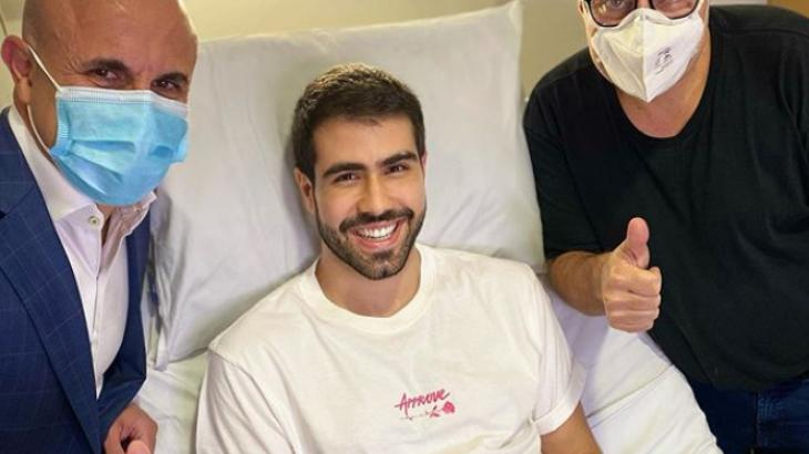 "Juliano Laham se pronuncia após cirurgia para remover tumor: ""Renasci"""
