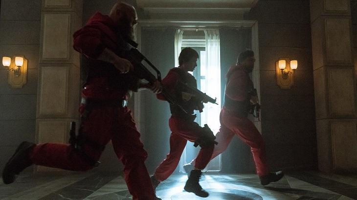 La Casa de Papel mantém DNA explosivo e investe em cenas de ação