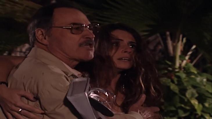 Cena de Laços de Família com Capitu e o pai