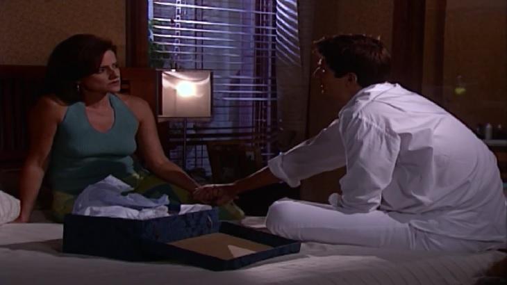 """Laços de Família: Alma faz confissão do passado para Edu: """"Me apaixonei por ele"""""""