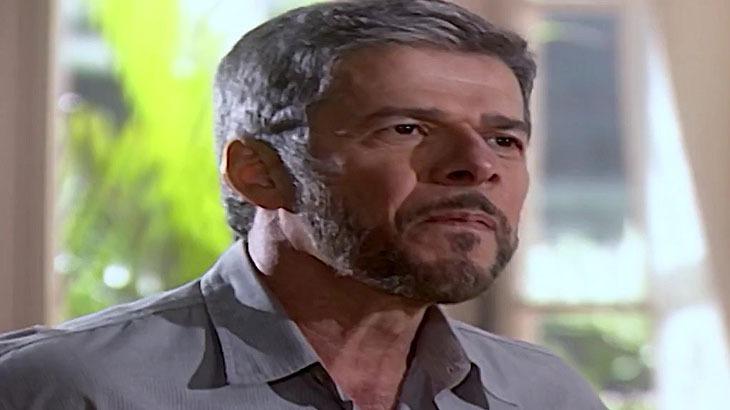 Laços de Família: Pedro descobre segredo de Helena e comemora