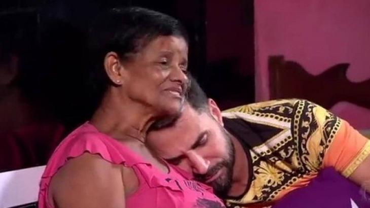Latino e sua tia Marlene - Foto: Reprodução/Record