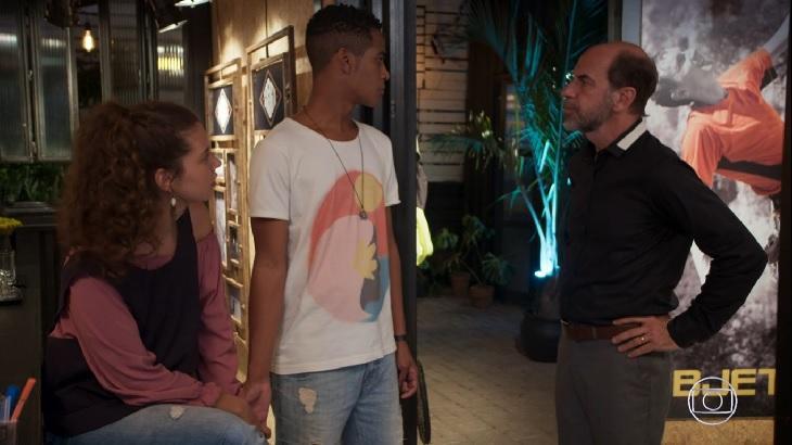Malhação: Guga apanha de homofóbicos e Max pede para Serginho se afastar
