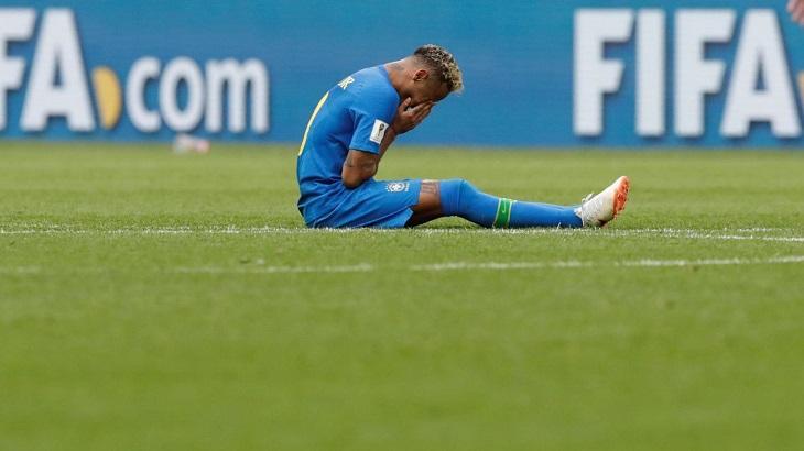 Neymar é acusado de estupro. Pai do atleta falará ao