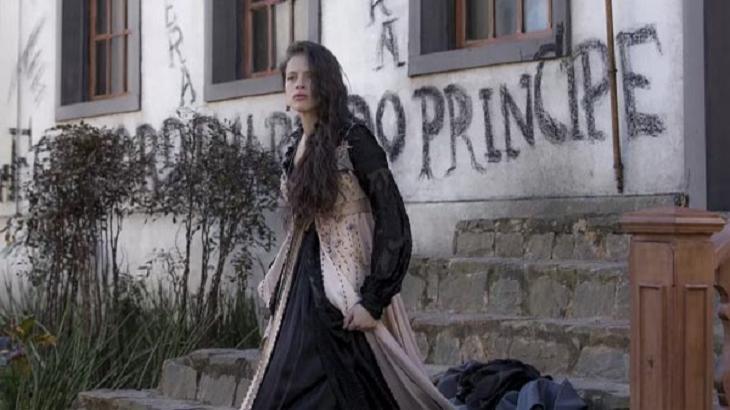 Novo Mundo: Após provocar princesa, Domitila é humilhada e atacada pelo povo