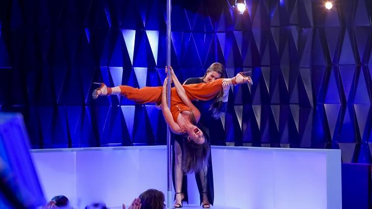 Patrícia Abravanel vai praticar pole dance no palco do Topa ou Não Topa. Foto: Gabriel Cardoso/SBT