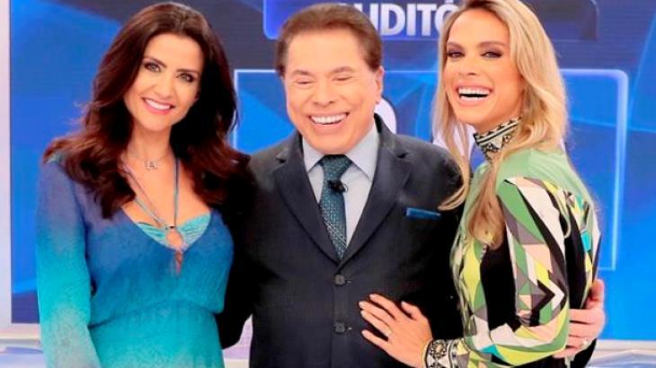 Programa Silvio Santos recebe Patrícia Salvador e Ligia Mendes no Jogo das 3 Pistas