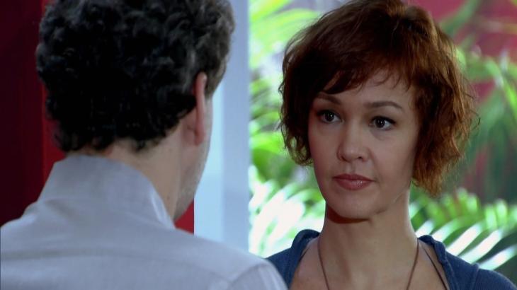 Fina Estampa: Paulo descobre fuga desesperada de Esther e fica chocado