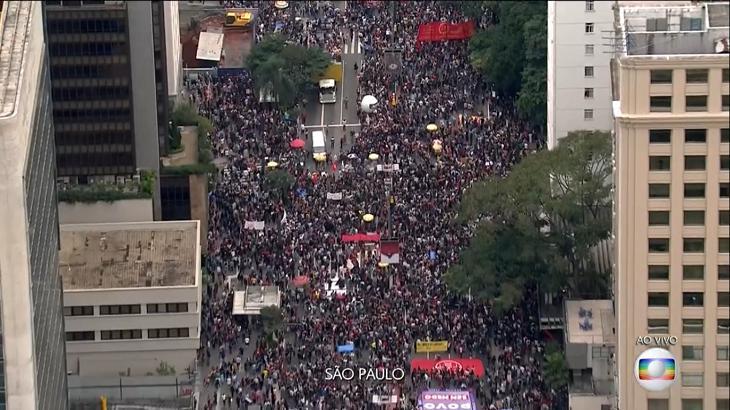 Protestos foram alvo de cobertura da Globo e de outras emissoras. Foto: Reprodução/Globoplay