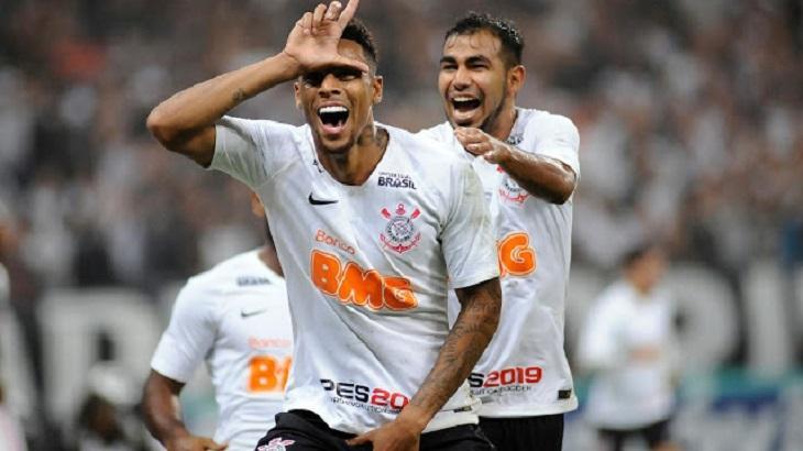 Gustagol comemora o segundo gol na partida Corinthians e Deportivo Lara que teve VT exibido pela Rede TV. Foto: Divulgação