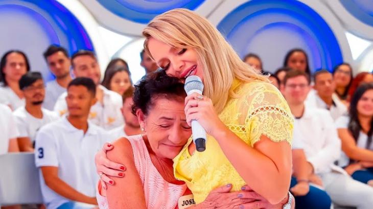 Eliana promove reencontro de mãe e filhos
