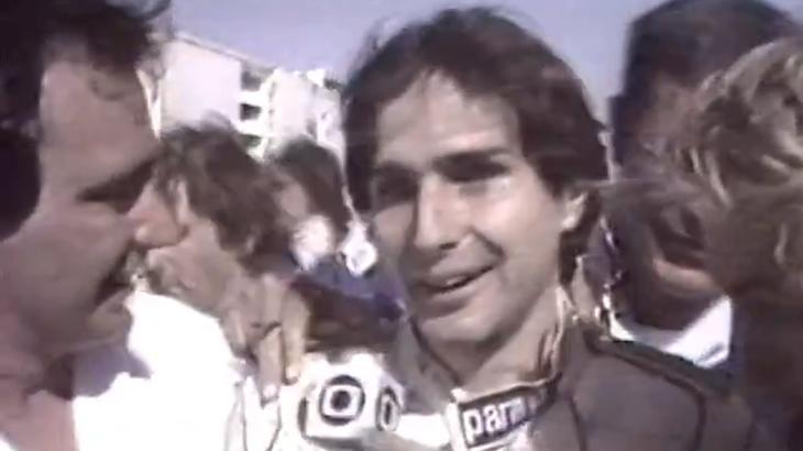 Ao lado de Bolsonaro e sem máscara, Nelson Piquet volta a atacar a Globo