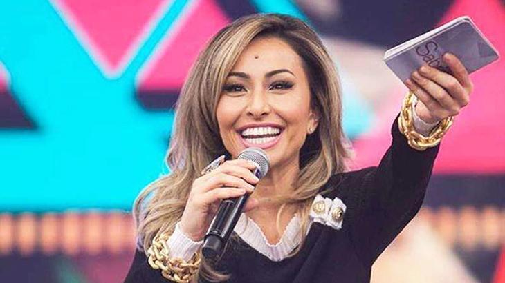 Sabrina Sato apresentará o Domingo Show - Foto: Reprodução/Record