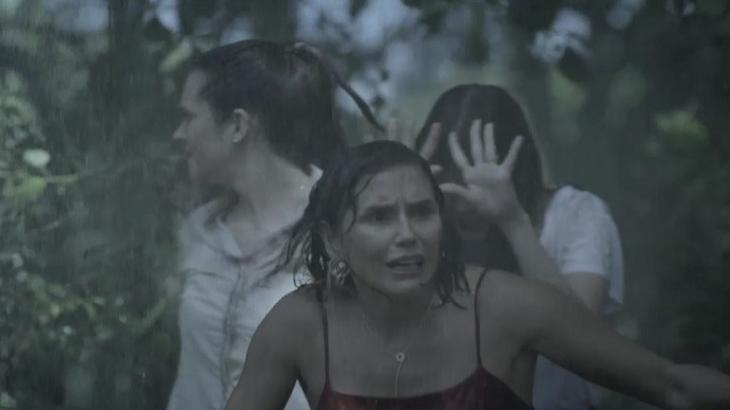 Salve-se Quem Puder: Kyra, Luna e Alexia presenciam assassinato e ficam chocadas