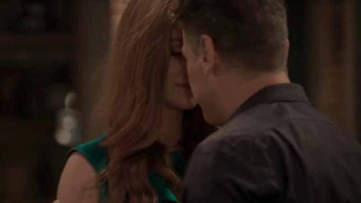 Na novela Totalmente Demais, Arthur e Eliza comemorarão vitória com beijo - Foto: Divulgação