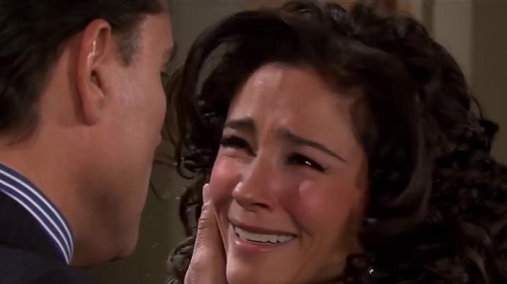 Cena de Triunfo do Amor com Linda chorando