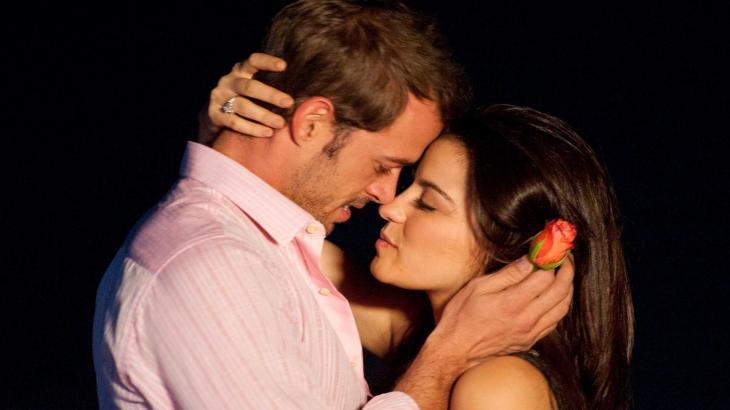 Cena da novela Triunfo do Amor com Maite Perroni e William Levy