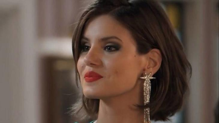 Chay Suede e Camila Queiroz viram pivô de guerra fria entre Netflix e Globo