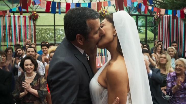 Maria da Paz se casou com Amadeu - Foto: Reprodução/Globo