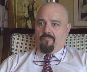 Bispo da Record influencia série de Tiago Santiago na Fox; entenda
