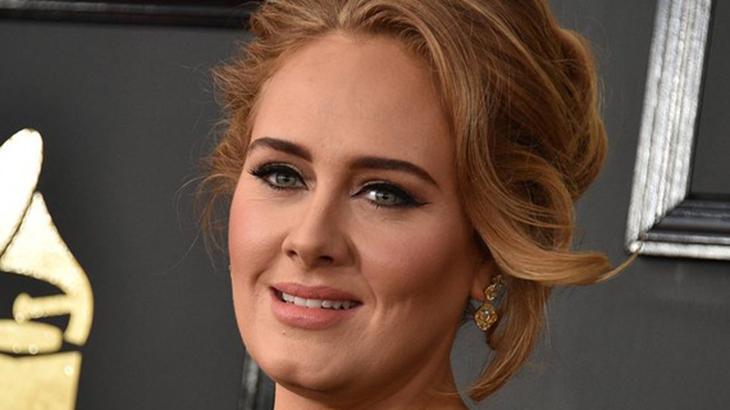 Adele fará remake de