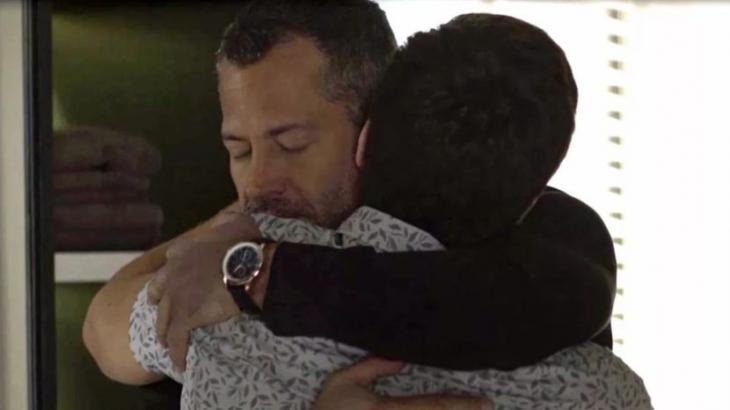 Leandro e Agno vão se beijar no final da novela - Divulgação/TV Globo