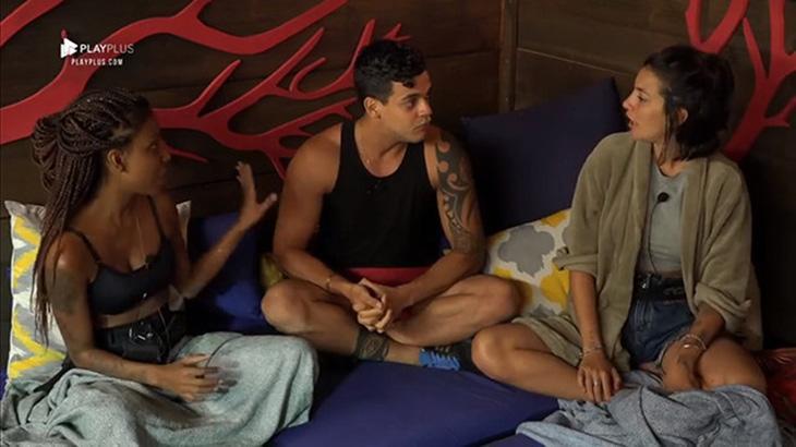 Caique Aguiar foi entrevistado pela dupla