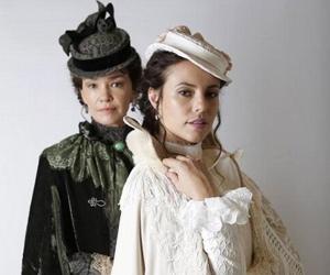 Júlia Lemmertz e Paolla Oliveira são mãe e filha em