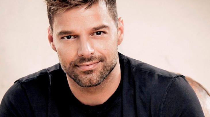 Ricky Martin conta desejo de fazer músicas com Anitta e Pabllo Vittar