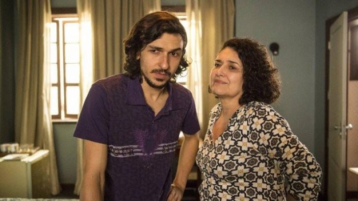 Elias e a mãe em Amor de Mãe - Divulgação/TV Globo