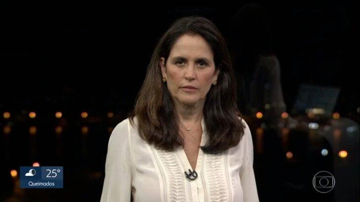 Ana Luiza Guimarães séria durante apresentação do RJ2