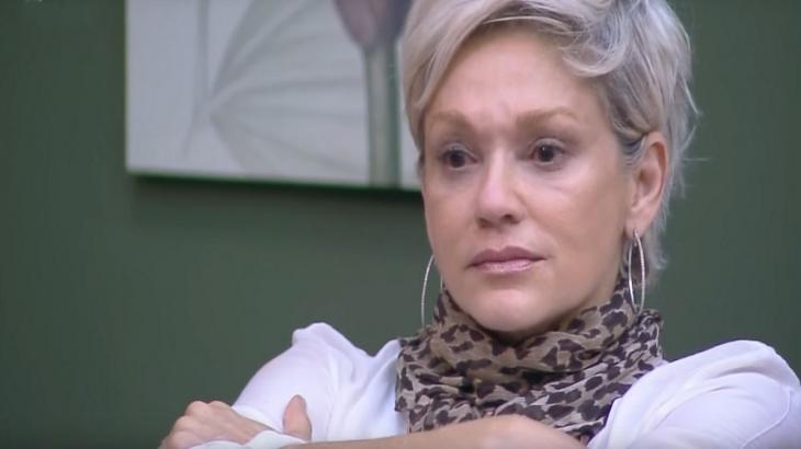 Andréa Nóbrega contou sobre o acidente doméstico sofrido pela mãe - Reprodução