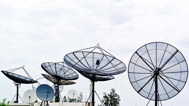 26,9% dos domicílios brasileiros assistem televisão através da recepção via satélite
