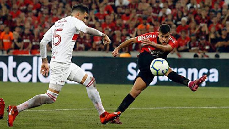 Athlético-PR levou vantagem de um gol para a grande decisão em Porto Alegre