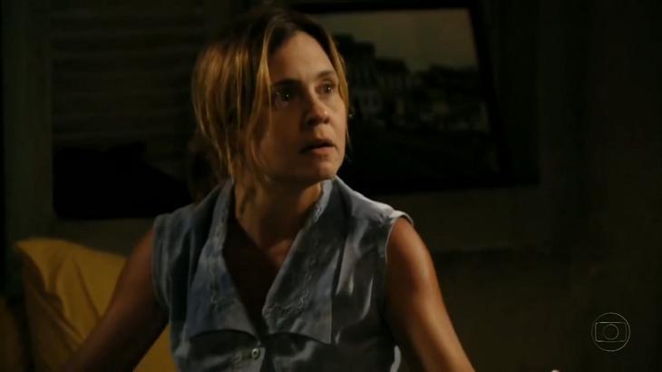 Adriana Esteves como Carminha em