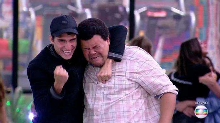 Babu Santana foi aos prantos ao falar do amigo eliminado no BBB20 - Foto: Globo