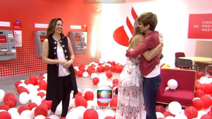 Ana Furtado abraça Paula após apresentar algumas dicas sobre investimento financeiro - Foto: Reprodução