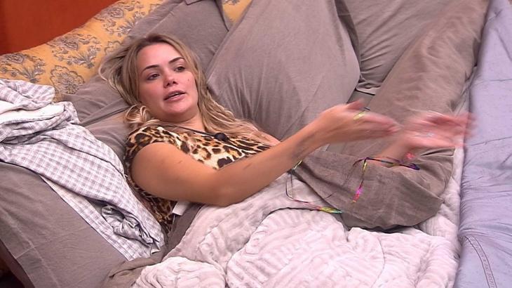 Marcela falou sobre postura dos brothers no BBB20 e ainda alfinetou Gabi - Foto: Globo