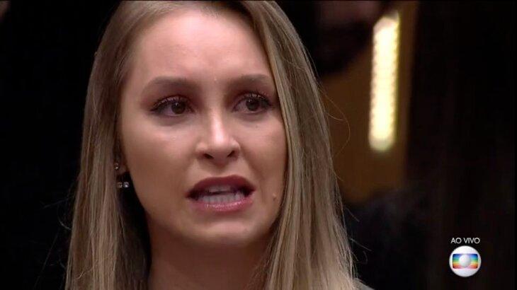 Carla Diaz séria em programa ao vivo